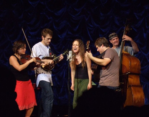 Fiona Apple with Nickel Creek in 2007